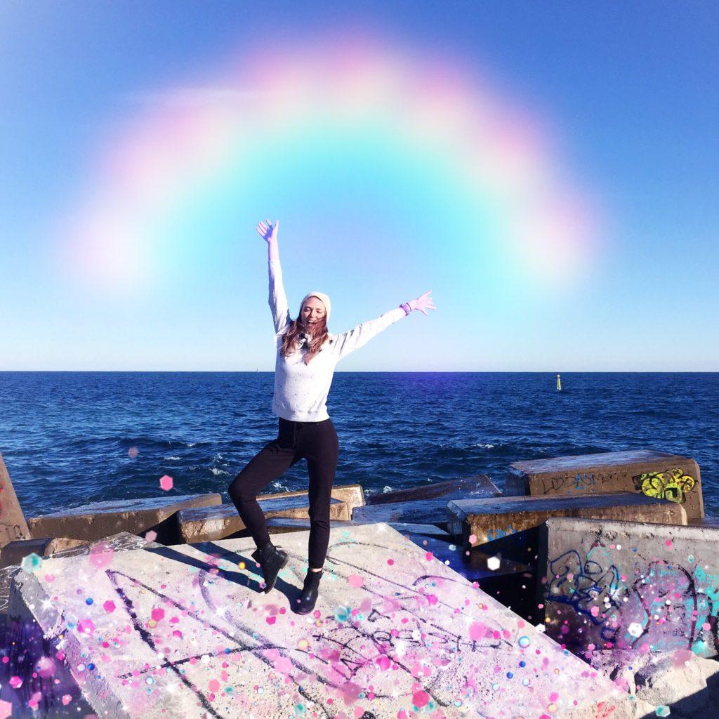 Stoję nad Morzem Śródziemnym i mam ogromną radość, że aż pokazała się tęcza.