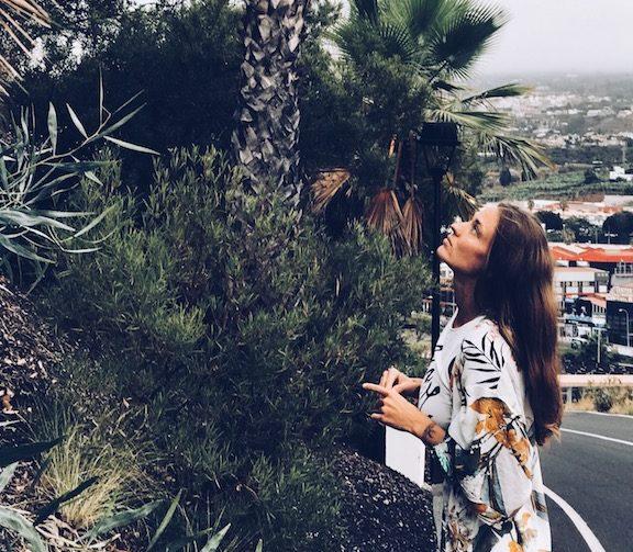 patrzę na palmę i widze boga