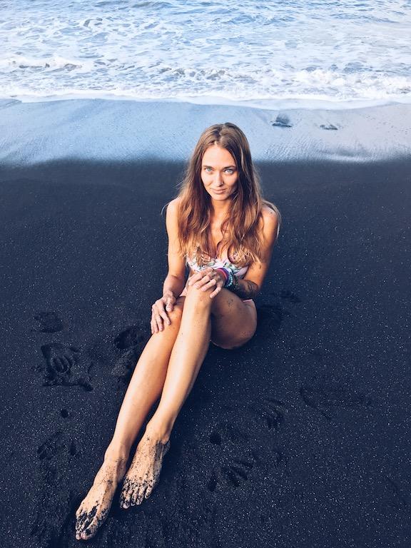 Wulkaniczny piasek Teneryfy ma kolor czarny